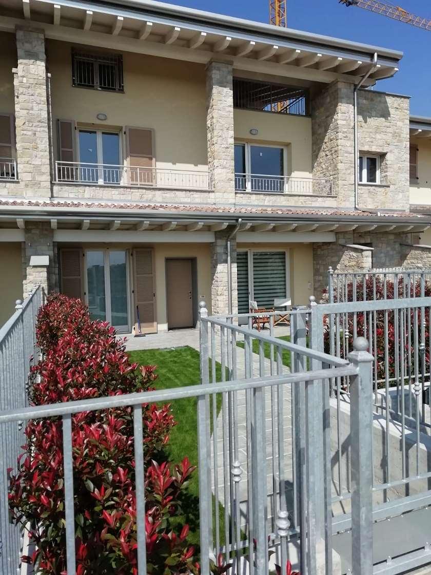 Appartamento in vendita a Grassobbio, 5 locali, prezzo € 298.000 | CambioCasa.it