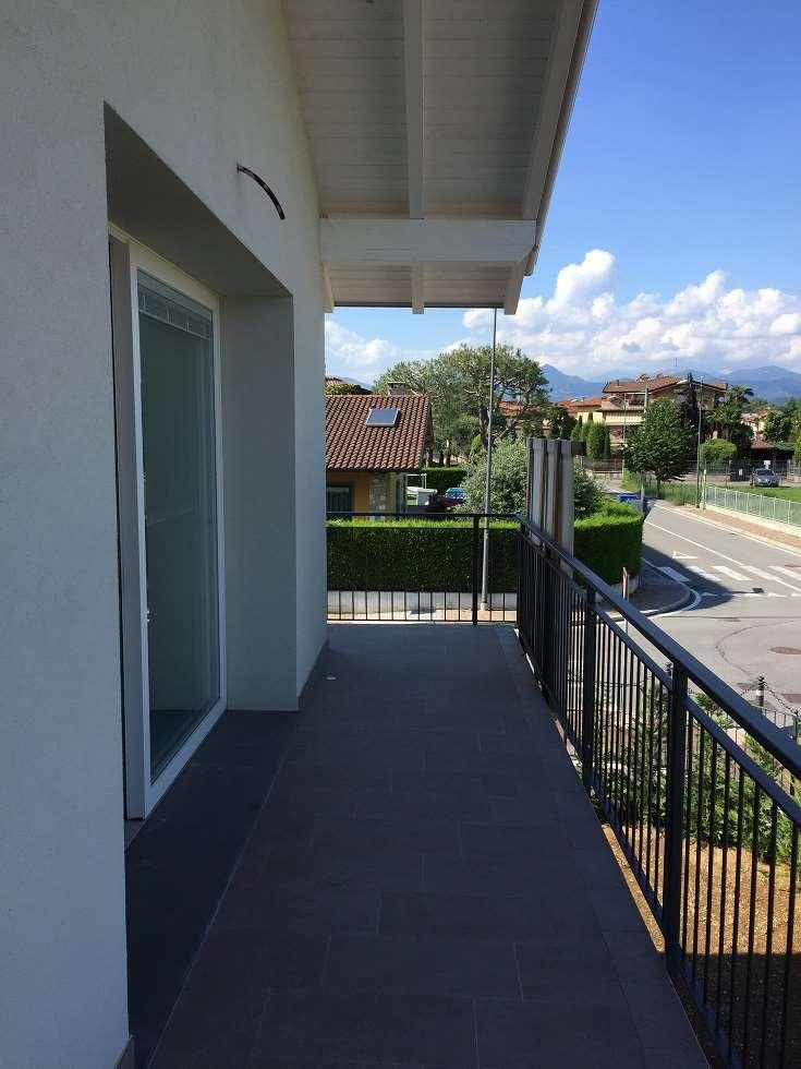 Appartamento in vendita a Grassobbio, 5 locali, prezzo € 305.000 | CambioCasa.it