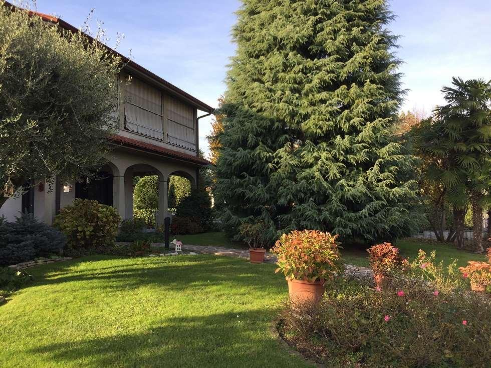 Appartamento in vendita a Cologno al Serio, 5 locali, prezzo € 275.000 | CambioCasa.it