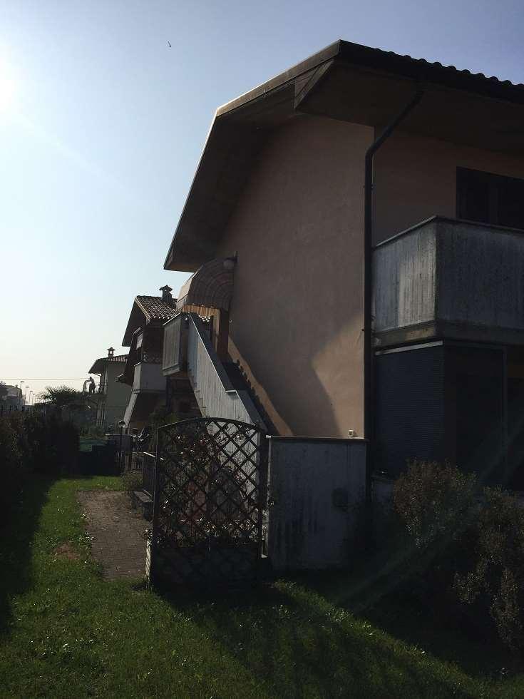 Appartamento in vendita a Pognano, 3 locali, prezzo € 155.000 | CambioCasa.it