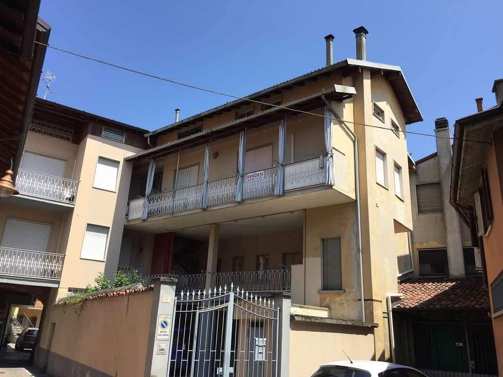 Appartamento in vendita a Cologno al Serio, 8 locali, prezzo € 95.000 | CambioCasa.it