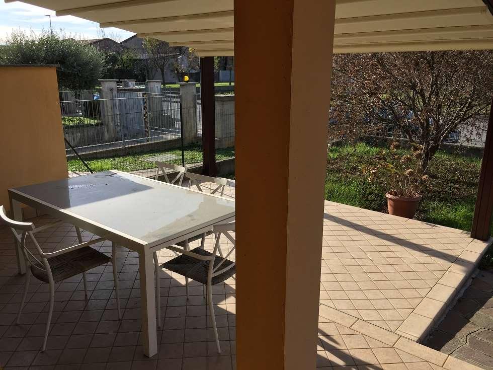 Appartamento in vendita a Pognano, 3 locali, prezzo € 150.000 | CambioCasa.it