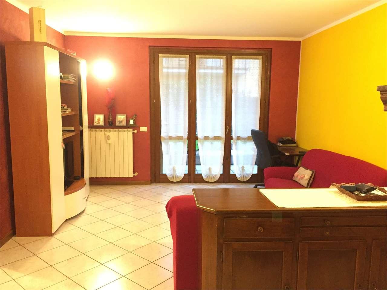 Appartamento in vendita a Cologno al Serio, 3 locali, prezzo € 169.000   CambioCasa.it