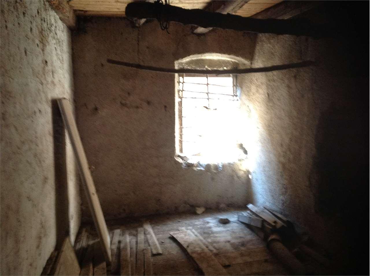 Foto casale/rustico in vendita a Rovereto (Trento)