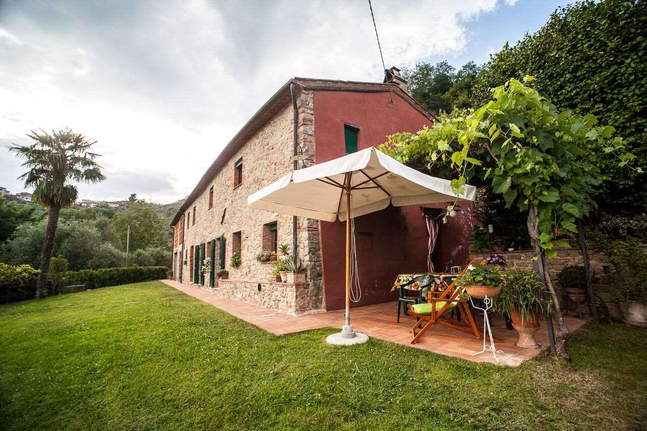 Farmhouse in vendita a Capannori