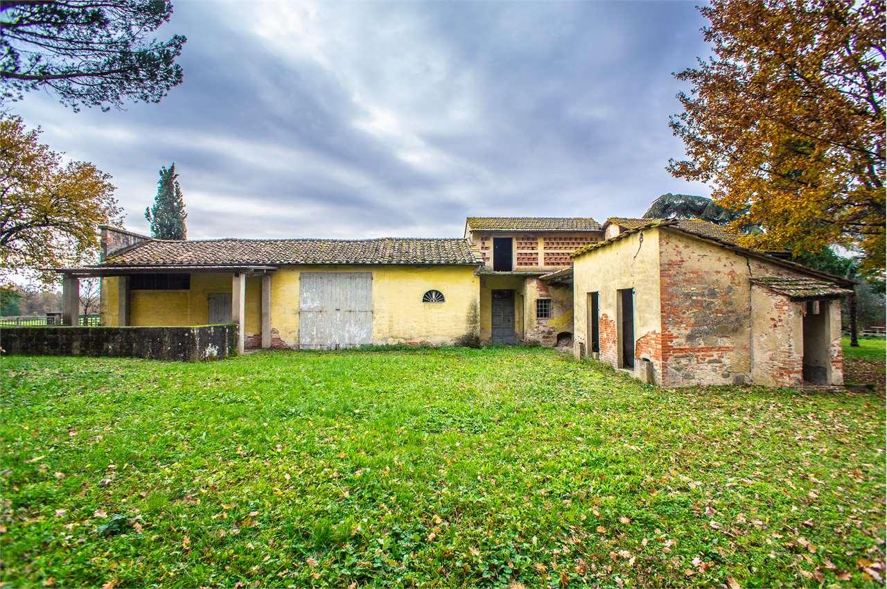 Colonica in vendita a Castelfranco di Sotto
