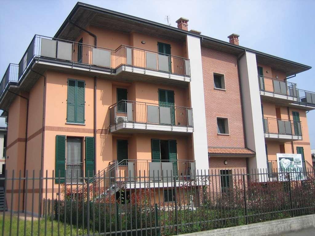Appartamento in vendita a Vidigulfo, 3 locali, prezzo € 165.000 | CambioCasa.it