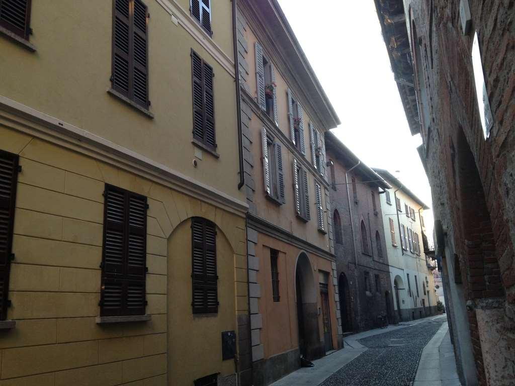 Immobile a Pavia