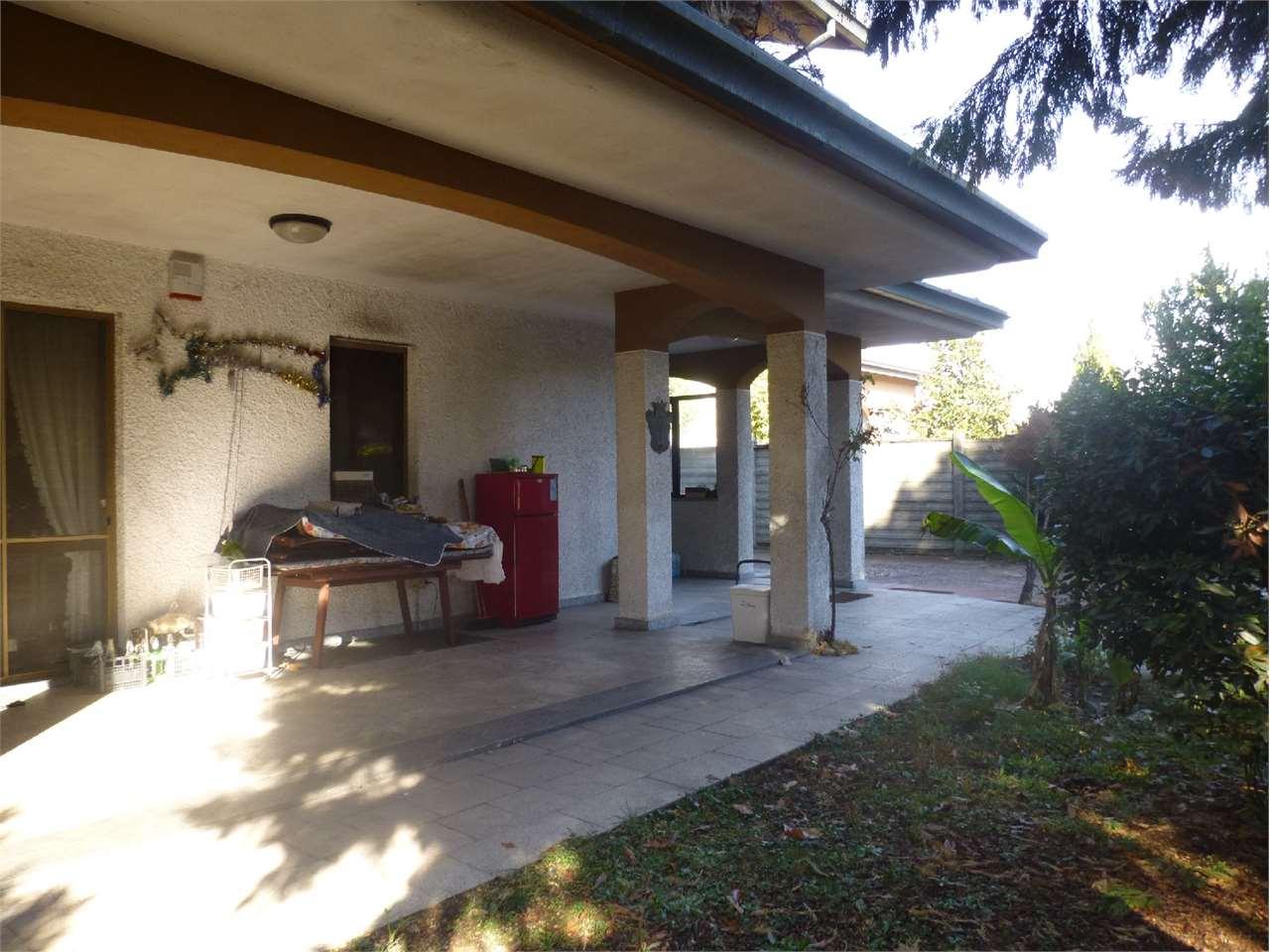 Appartamento in vendita a Busto Garolfo, 4 locali, prezzo € 195.000 | CambioCasa.it