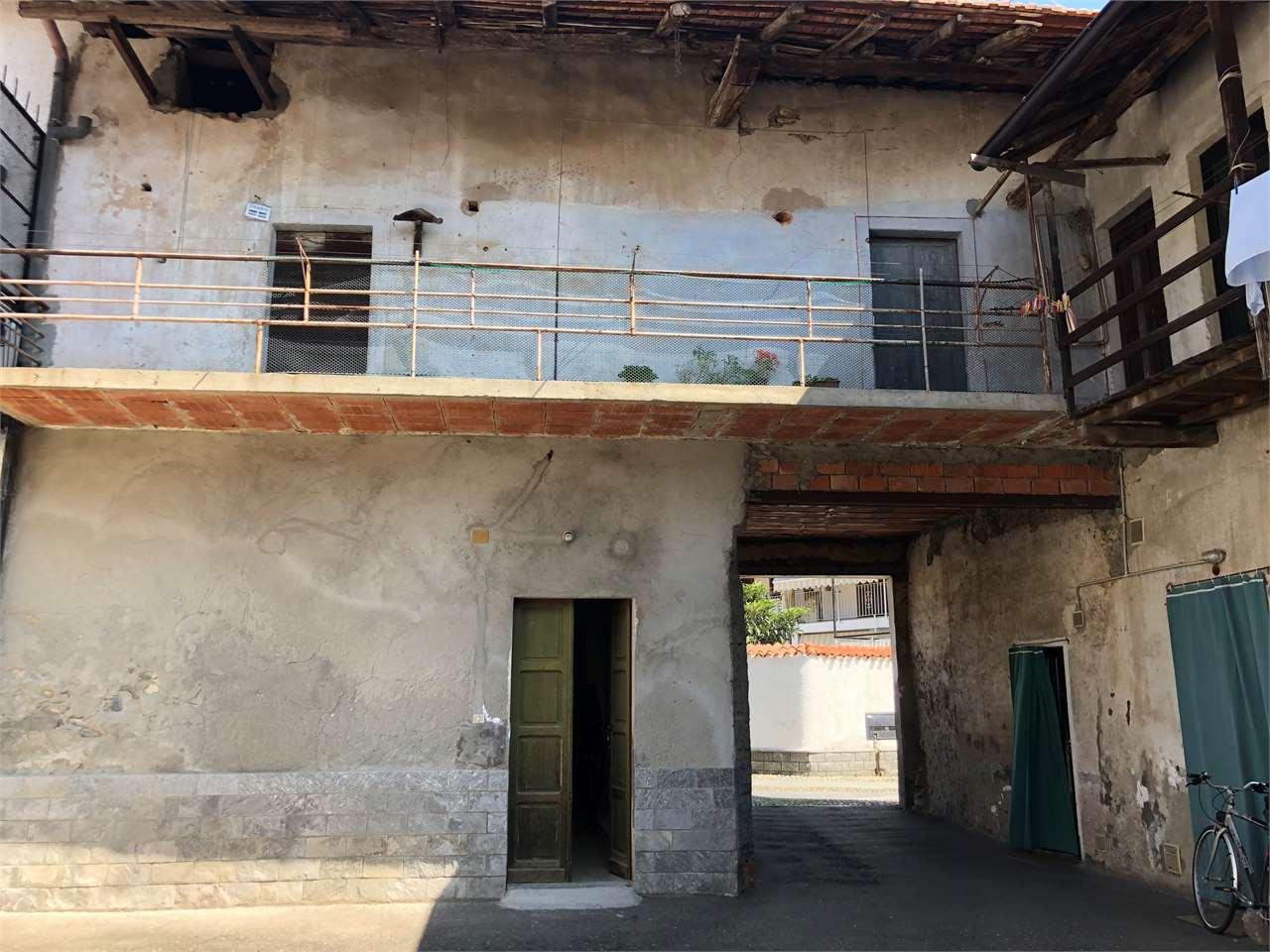 Appartamento in vendita a Cureggio, 3 locali, prezzo € 30.000 | CambioCasa.it