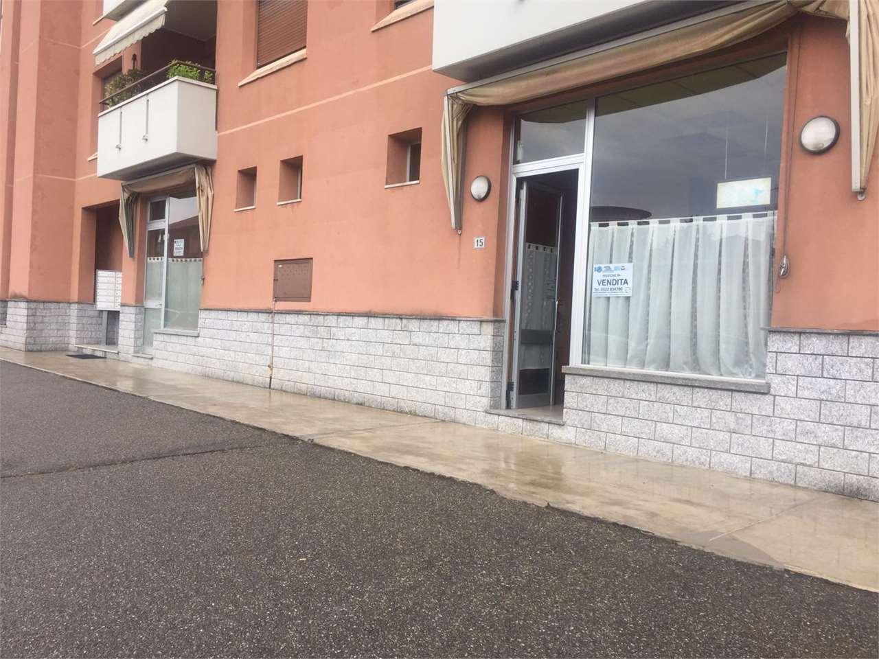 Negozio / Locale in vendita a Borgomanero, 1 locali, prezzo € 95.000   CambioCasa.it