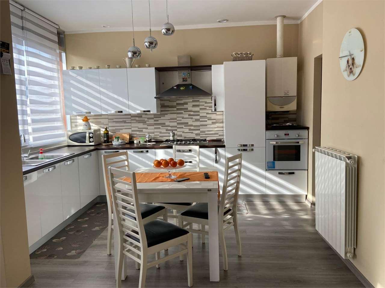 Vendita Trilocale Appartamento Arona Via Mottarone  243370