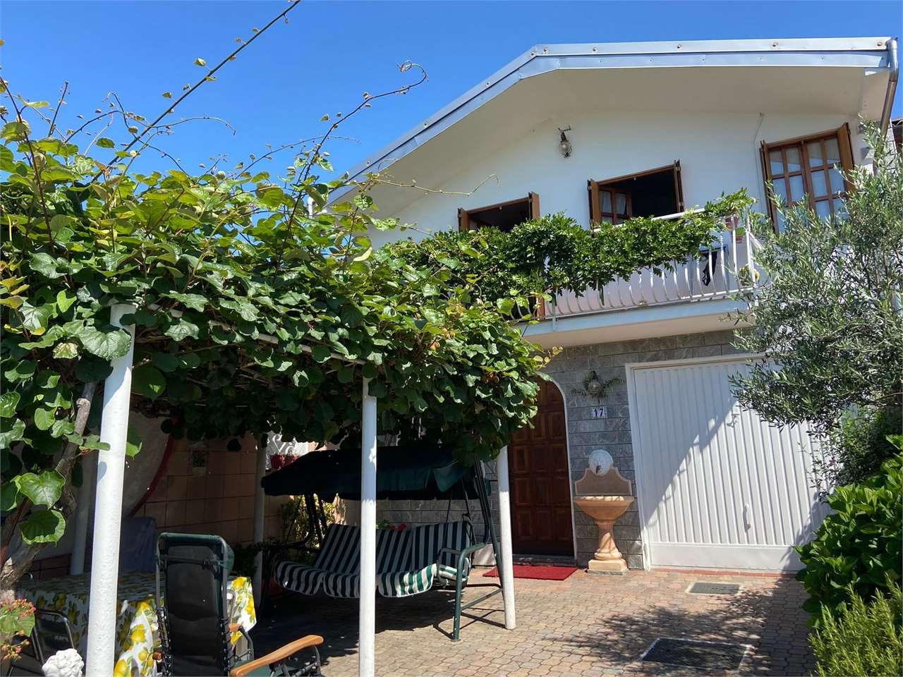 Appartamento in vendita a Bolzano Novarese, 3 locali, prezzo € 189.000 | CambioCasa.it