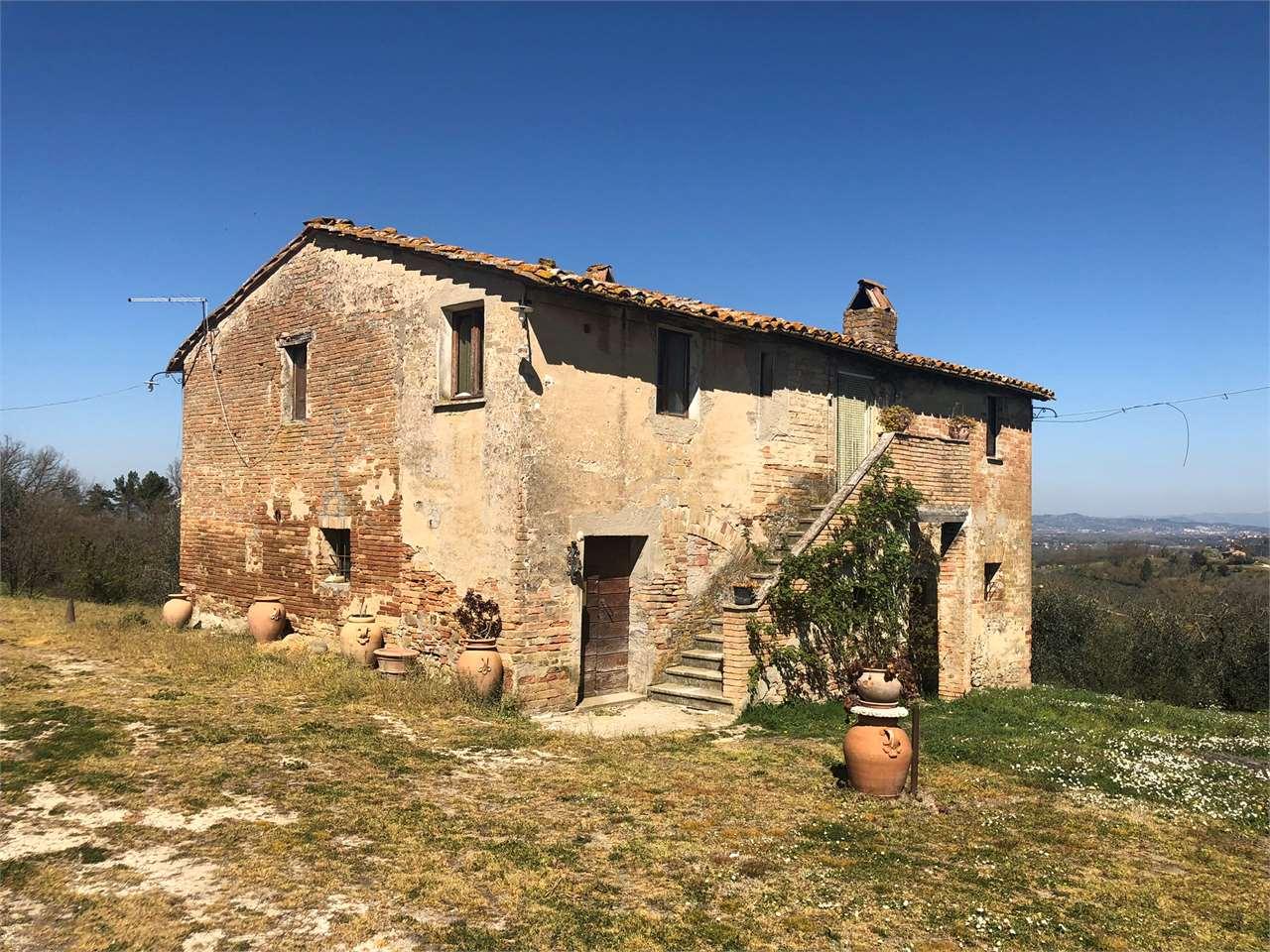 Rustico / Casale in vendita a Deruta, 10 locali, prezzo € 178.000   CambioCasa.it