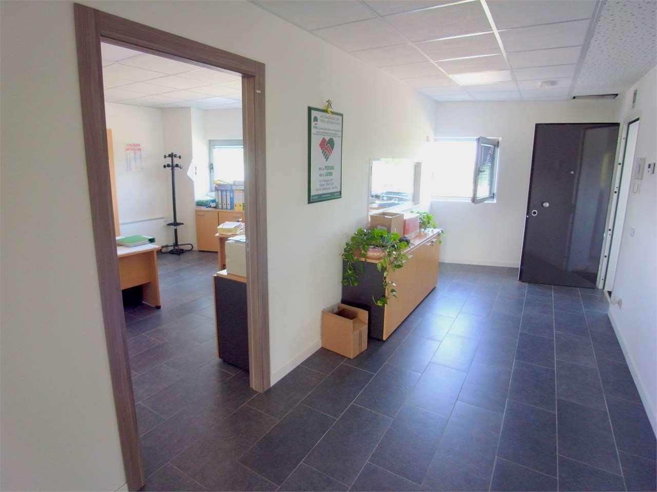 Ufficio / Studio in vendita a Monfalcone, 8 locali, prezzo € 196.000 | CambioCasa.it