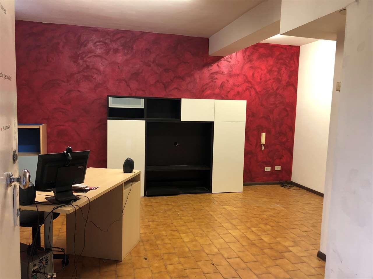 Magazzino in vendita a Trieste, 2 locali, zona Zona: Centro, prezzo € 95.000   CambioCasa.it