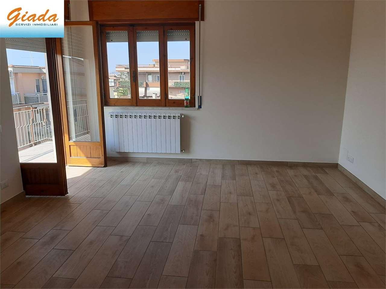 Appartamento in affitto a Formia, 4 locali, prezzo € 750   CambioCasa.it