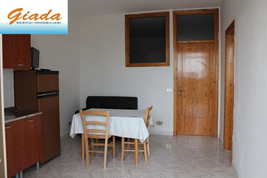 Appartamento in affitto a Formia, 2 locali, prezzo € 350   CambioCasa.it