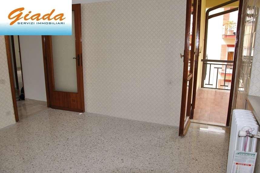 Appartamento in affitto a Formia, 4 locali, prezzo € 550   CambioCasa.it