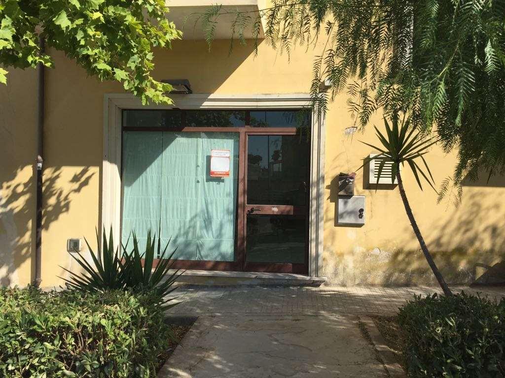 Ufficio / Studio in affitto a Casarano, 9999 locali, prezzo € 400 | CambioCasa.it