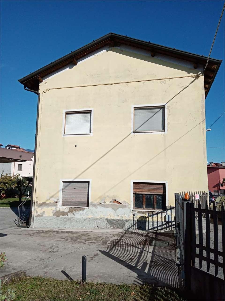 Appartamento in vendita a Calcio, 3 locali, prezzo € 97.000   CambioCasa.it