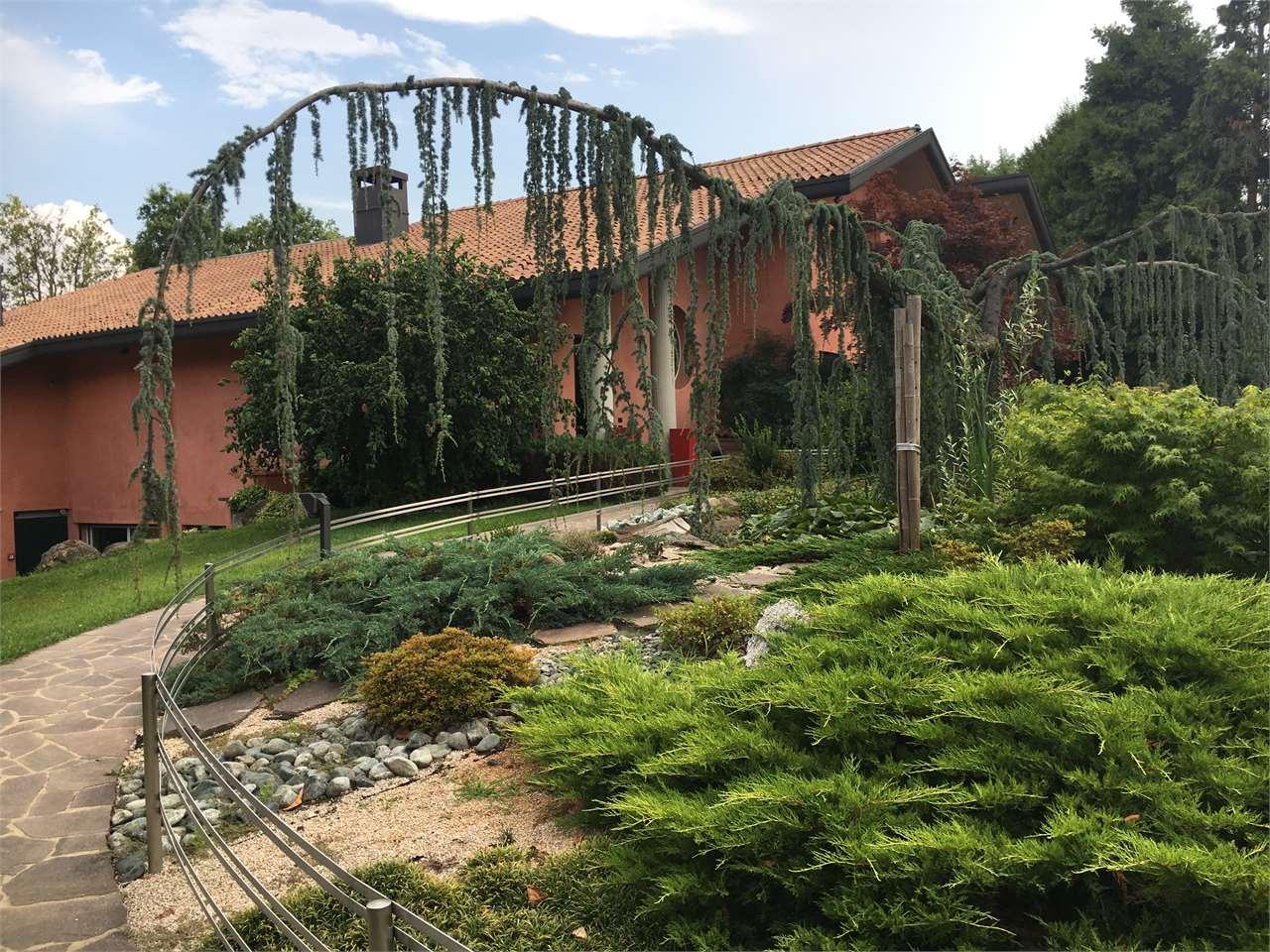 Villa in vendita a Fino Mornasco, 3 locali, prezzo € 850.000 | CambioCasa.it