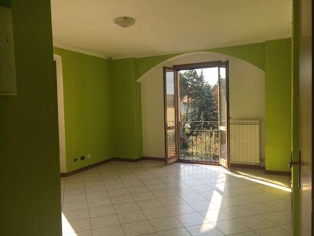 Appartamento in affitto a Fino Mornasco, 2 locali, prezzo € 450 | CambioCasa.it