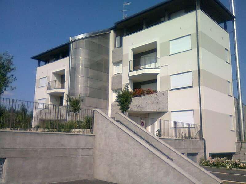 Appartamento in vendita a Olgiate Comasco, 3 locali, prezzo € 210.000 | CambioCasa.it