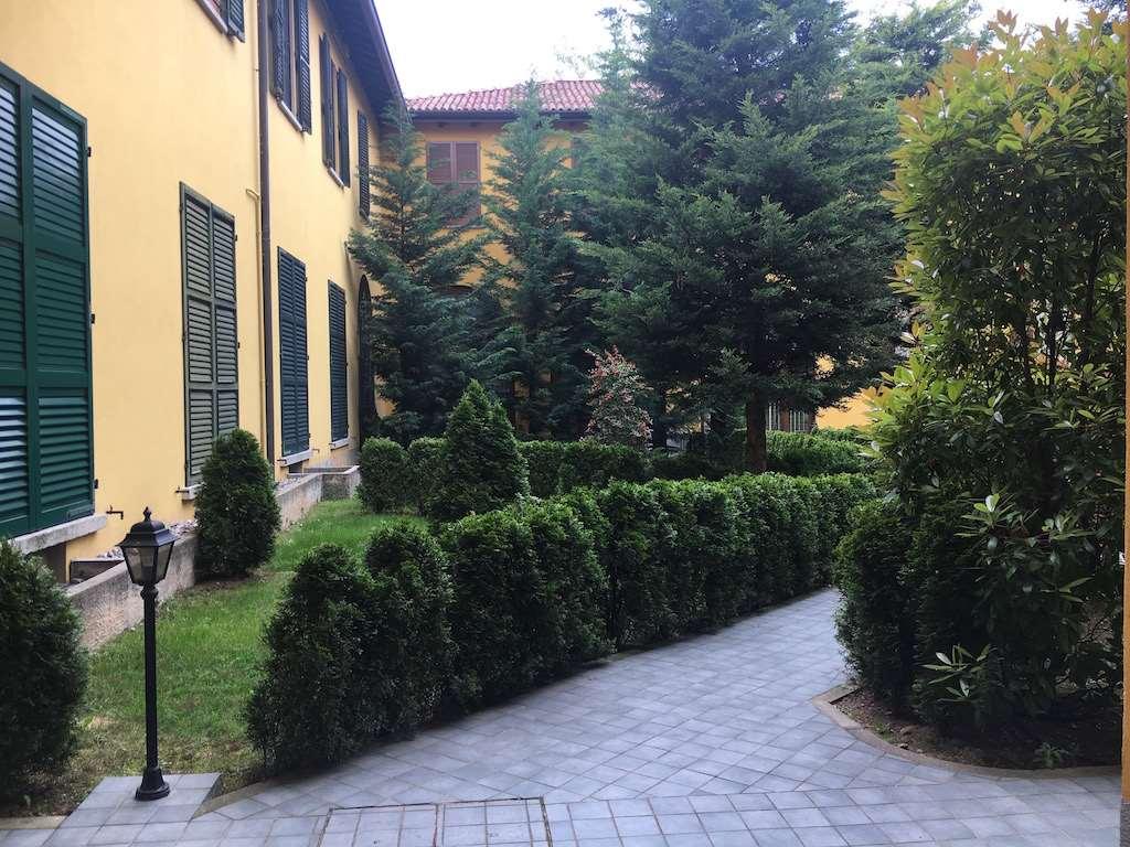 Appartamento in vendita a Appiano Gentile, 5 locali, prezzo € 250.000 | CambioCasa.it