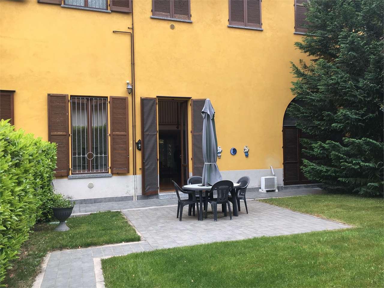 Appartamento in vendita a Appiano Gentile, 4 locali, prezzo € 275.000 | CambioCasa.it