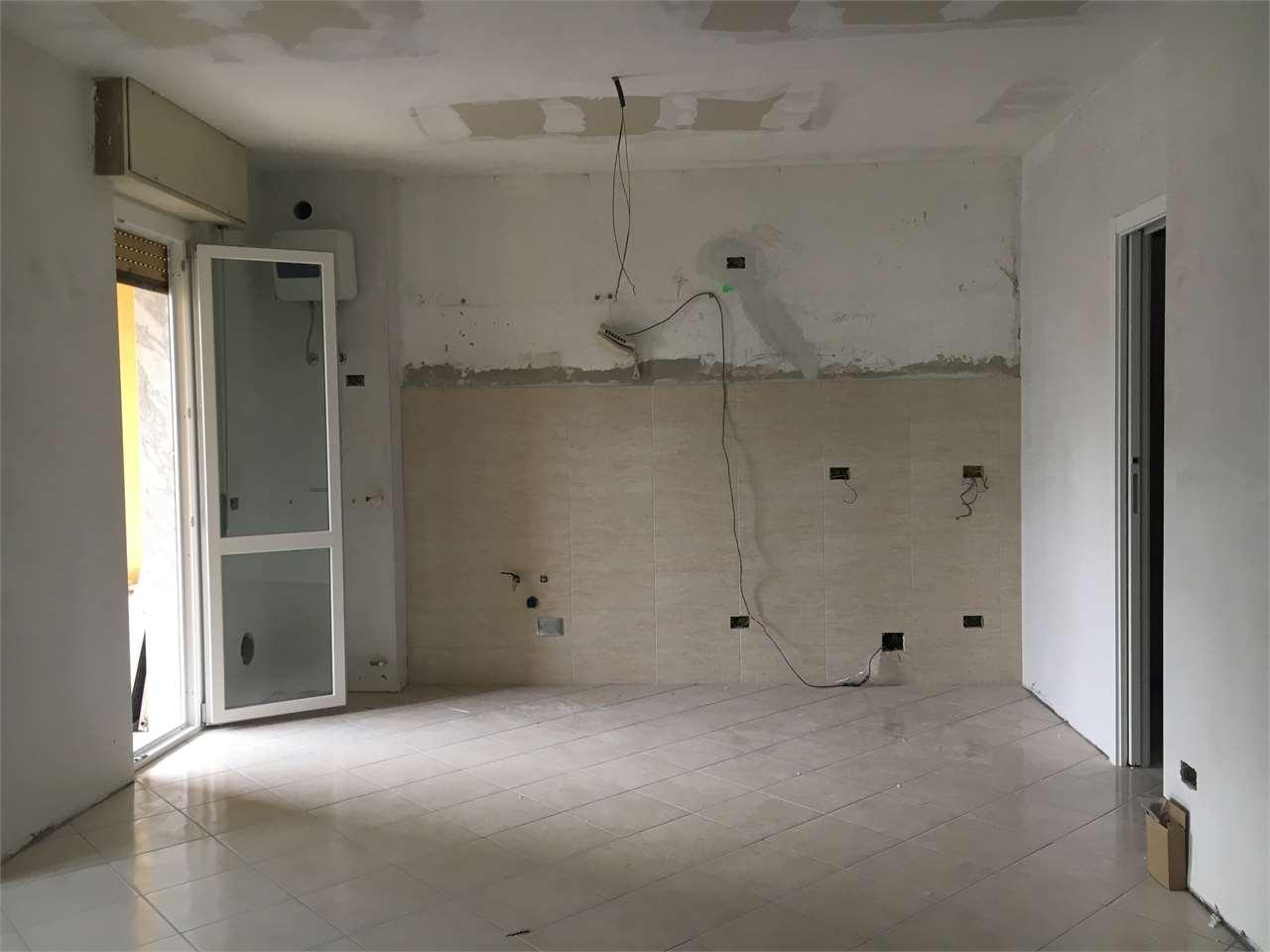 Appartamento in vendita a Fino Mornasco, 2 locali, prezzo € 75.000 | CambioCasa.it