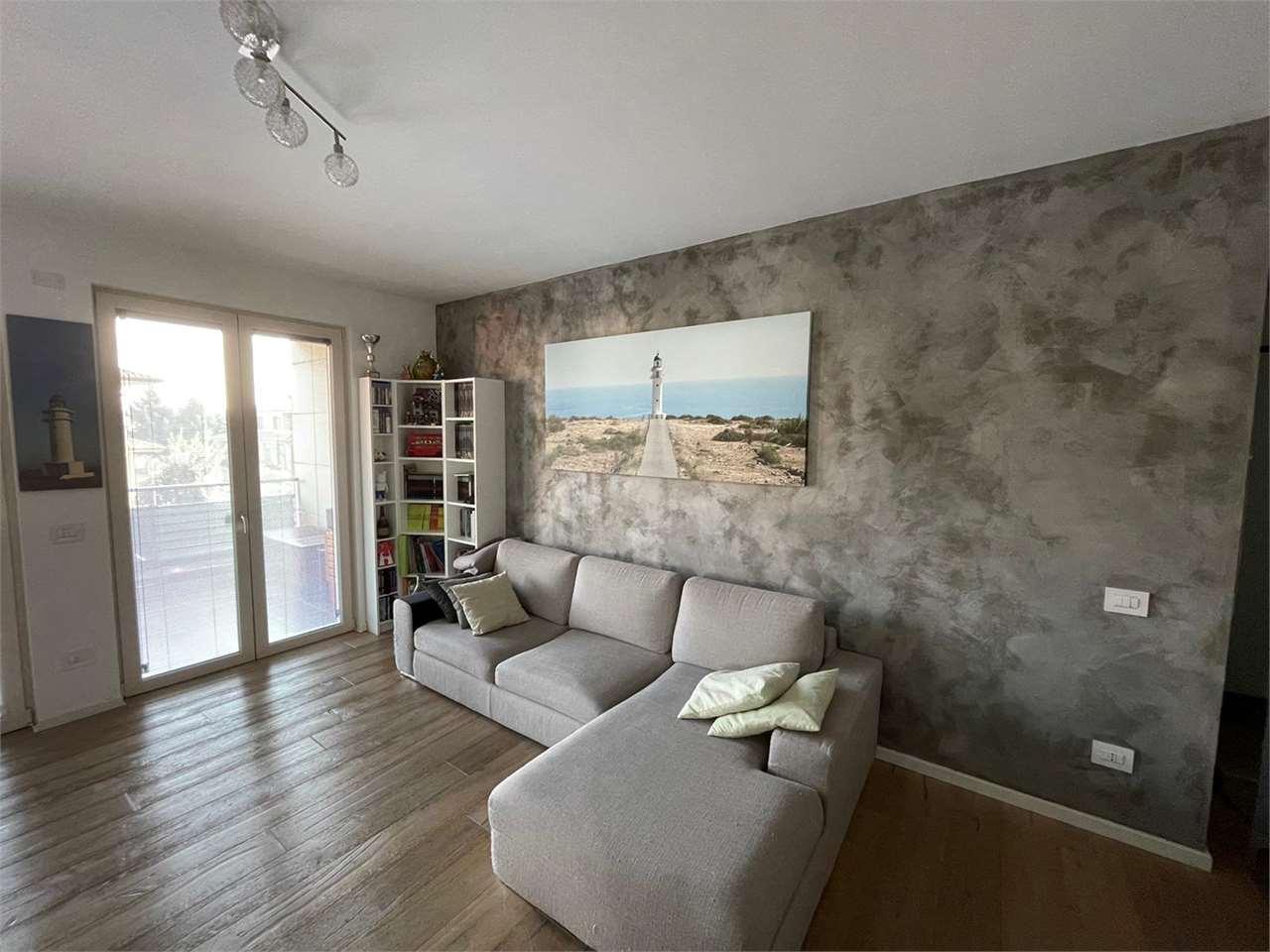 Appartamento in vendita a Senago, 3 locali, prezzo € 250.000   CambioCasa.it