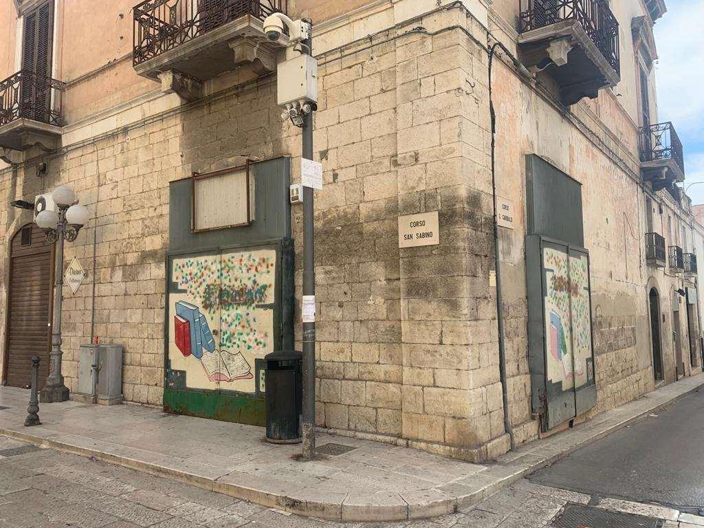 Negozio / Locale in affitto a Canosa di Puglia, 4 locali, prezzo € 800   PortaleAgenzieImmobiliari.it