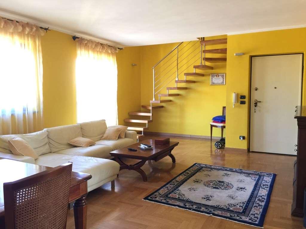 Appartamento in vendita a Castiglione Torinese, 5 locali, prezzo € 195.000 | CambioCasa.it