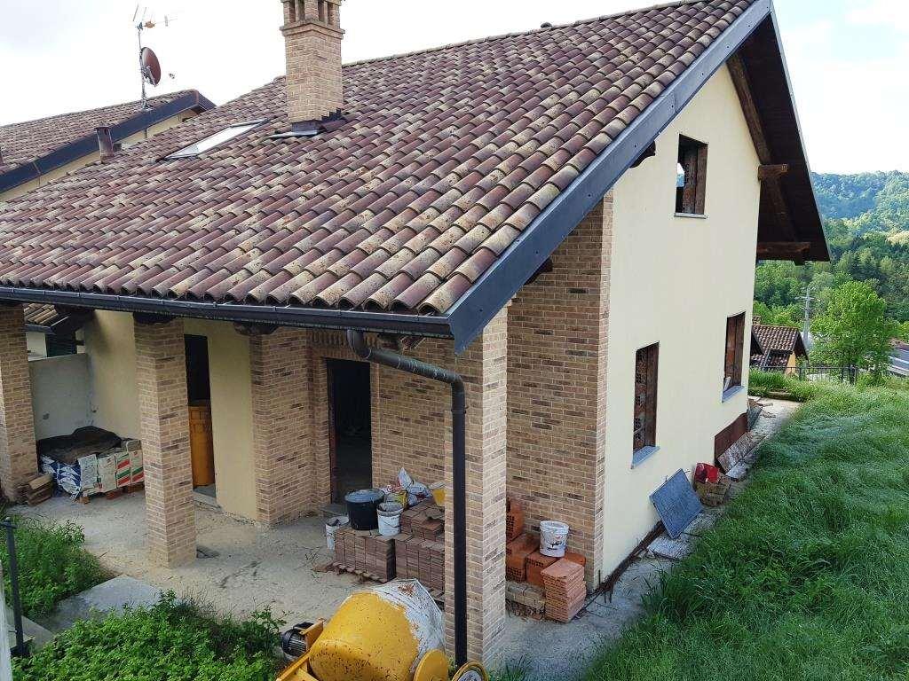Villa in vendita a Rivalba, 6 locali, prezzo € 265.000   CambioCasa.it