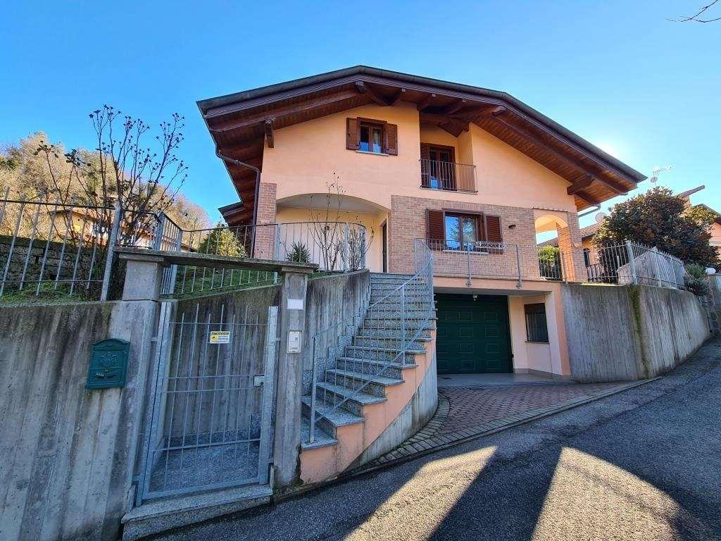 Villa in vendita a Rivalba, 5 locali, prezzo € 290.000   CambioCasa.it
