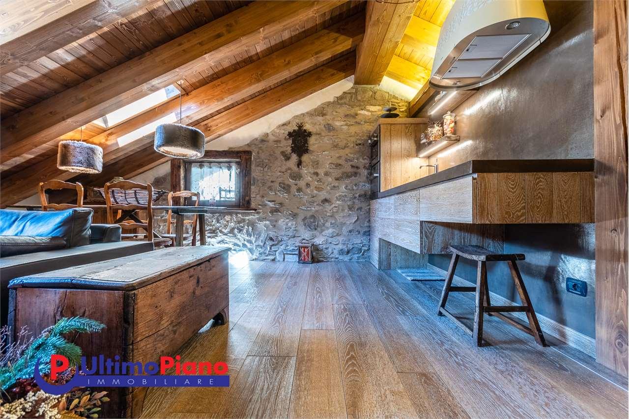 Loft / Openspace in vendita a Courmayeur, 2 locali, prezzo € 700.000   PortaleAgenzieImmobiliari.it
