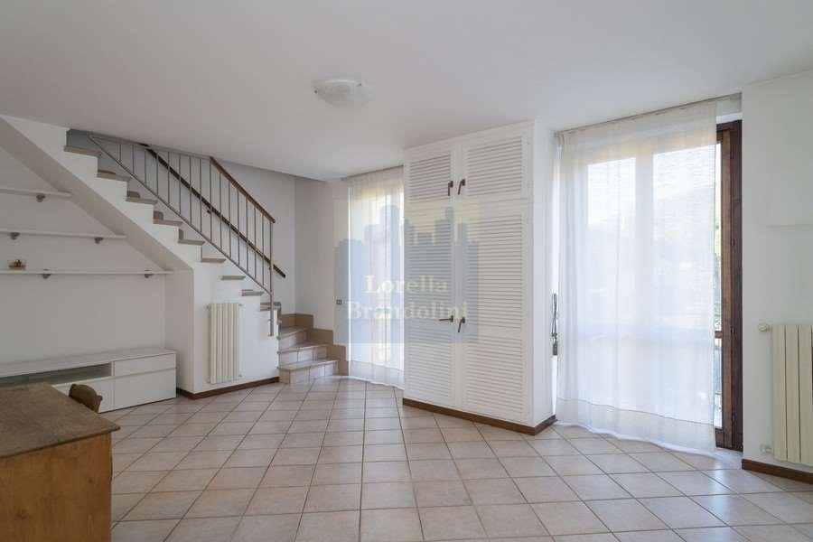 Vendita Trilocale Appartamento Luvinate 259121