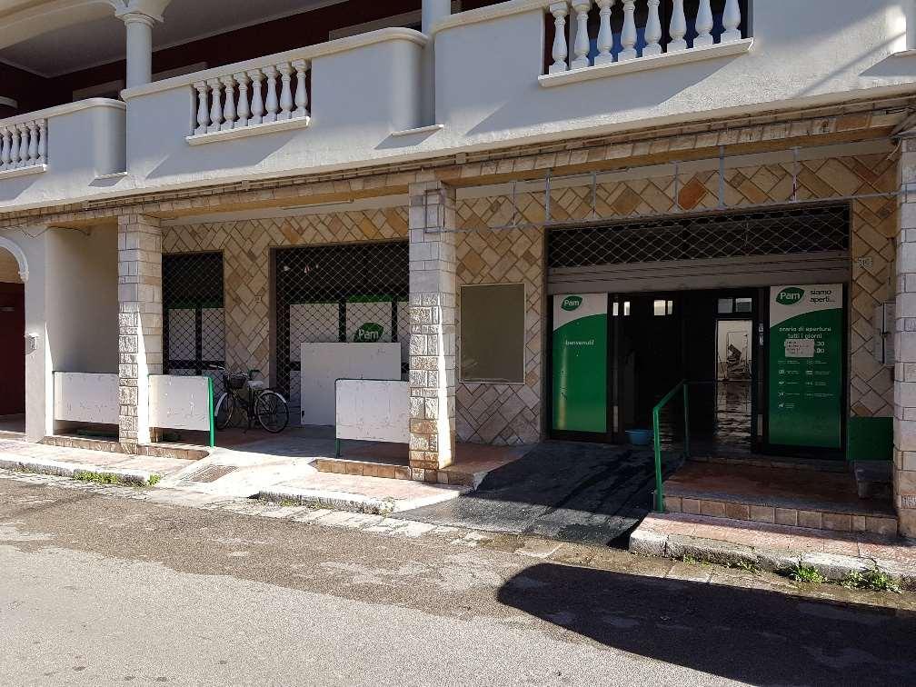 Negozio / Locale in affitto a San Donaci, 1 locali, prezzo € 1.500 | CambioCasa.it