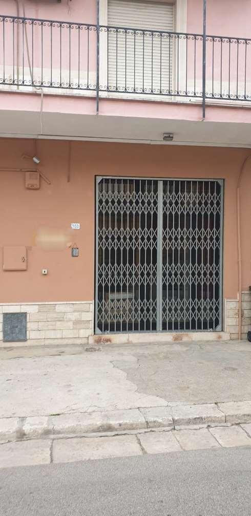 Negozio / Locale in affitto a San Donaci, 1 locali, prezzo € 250 | CambioCasa.it