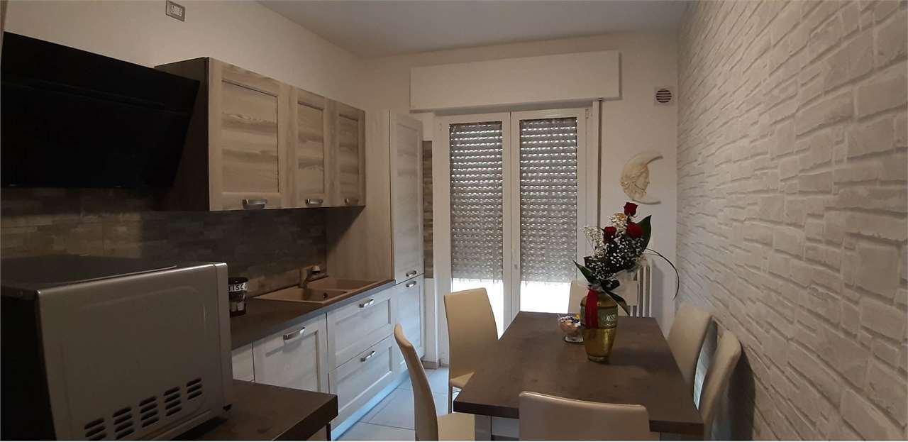Appartamento in vendita a Sarcedo, 7 locali, prezzo € 140.000 | CambioCasa.it