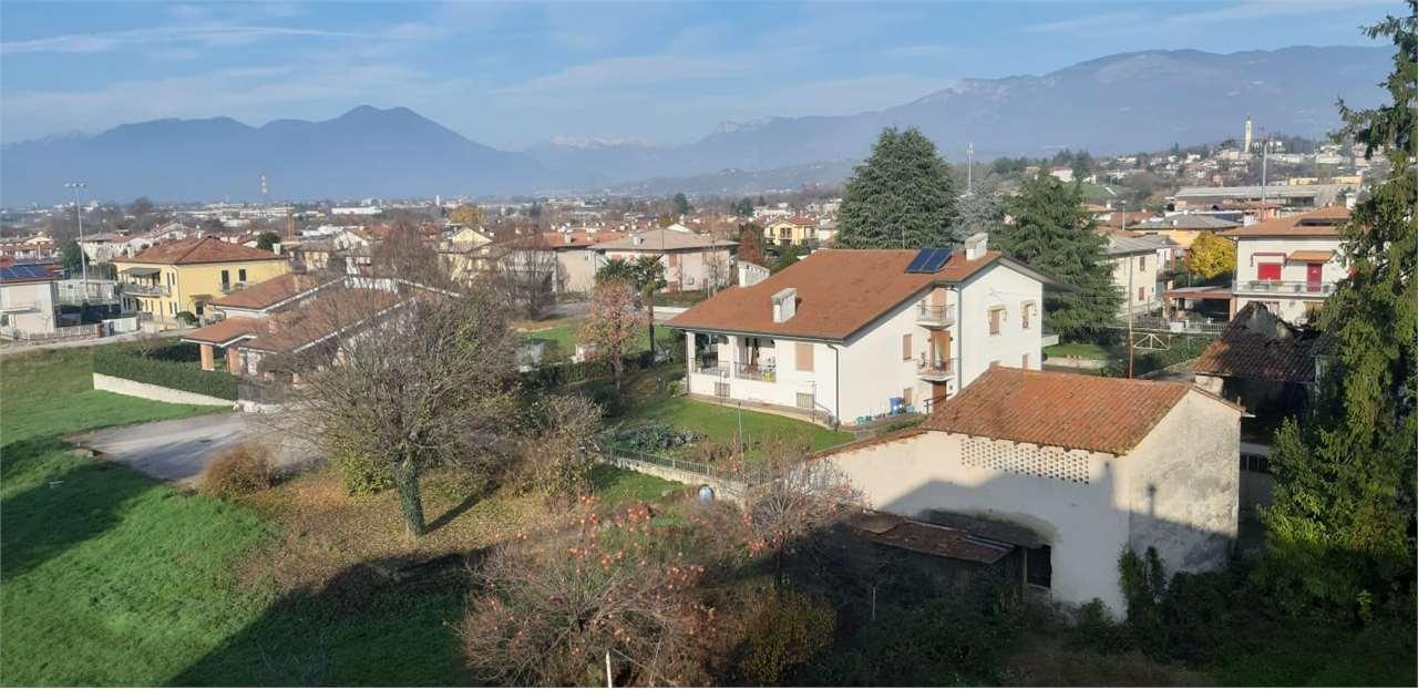 Appartamento in vendita a Sarcedo, 7 locali, prezzo € 78.000 | CambioCasa.it