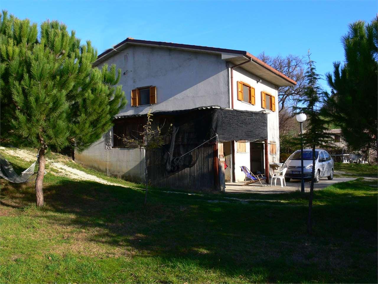Magazzino in vendita a Ancona, 9999 locali, zona Zona: Montesicuro, prezzo € 150.000 | CambioCasa.it