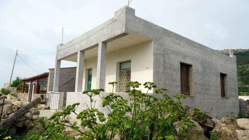 Soluzione Indipendente in vendita a Favignana, 3 locali, zona Zona: isola di Levanzo, prezzo € 350.000 | CambioCasa.it