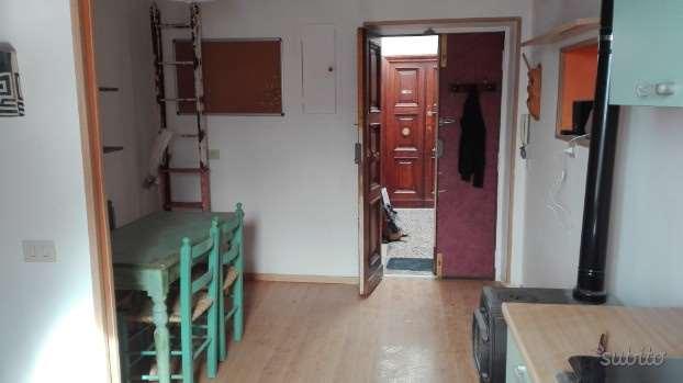 Appartamento in affitto a Genzano di Roma, 2 locali, zona Località: Centro, prezzo € 350 | CambioCasa.it