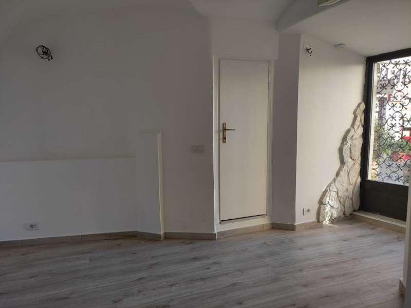 Negozio / Locale in affitto a Genzano di Roma, 2 locali, prezzo € 450 | CambioCasa.it