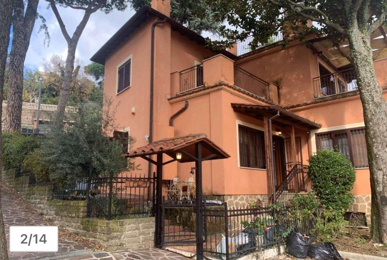 Villa a Schiera in vendita a Lanuvio, 6 locali, prezzo € 215.000 | CambioCasa.it