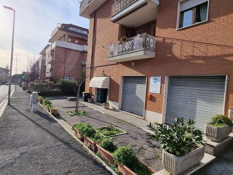 Negozio / Locale in vendita a Genzano di Roma, 1 locali, prezzo € 78.000 | CambioCasa.it