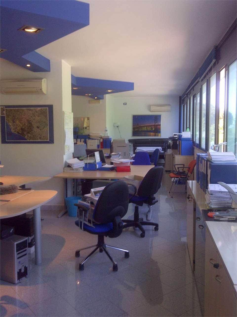 Ufficio / Studio in affitto a Genzano di Roma, 95 locali, zona Località: Tangenziale, prezzo € 3.000 | CambioCasa.it