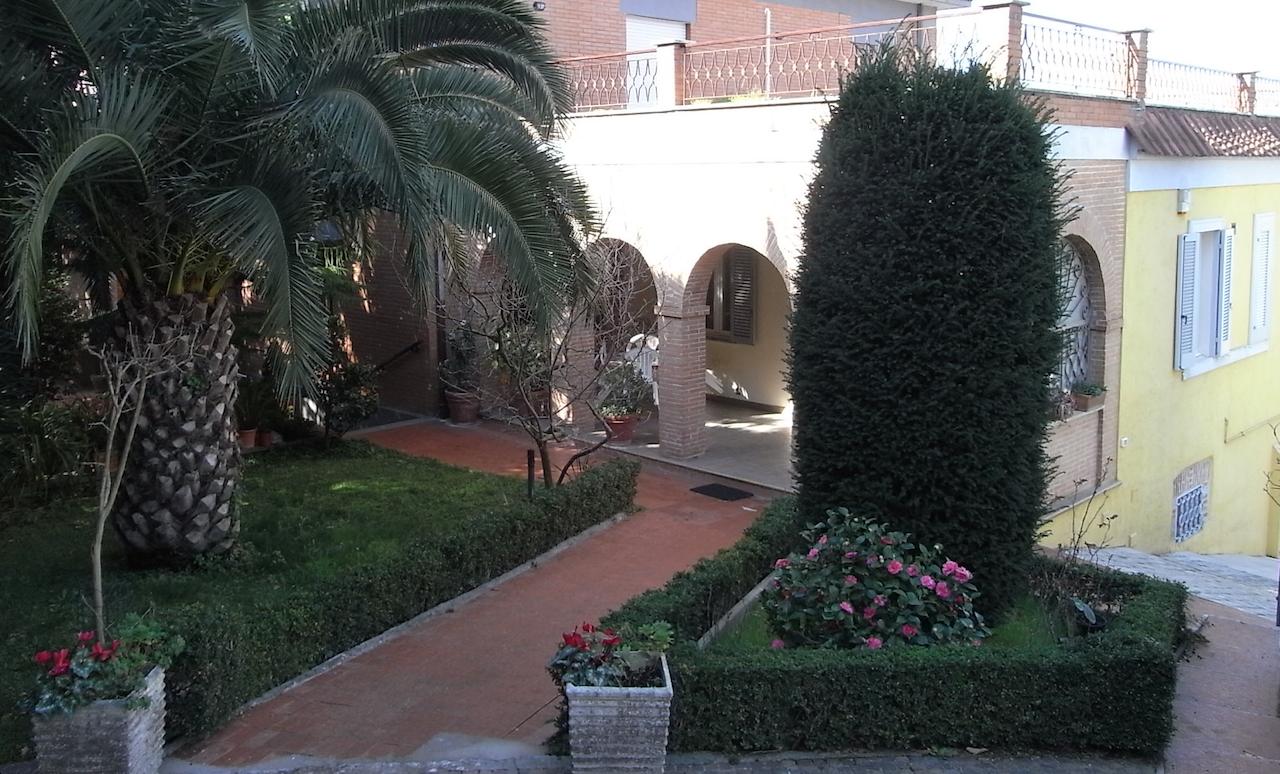 Appartamento in vendita a Lanuvio, 4 locali, prezzo € 210.000 | CambioCasa.it